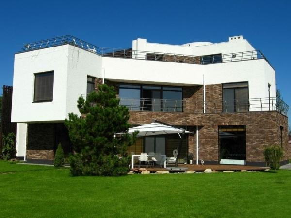 Строим плоскую эксплуатируемую крышу дома своими руками