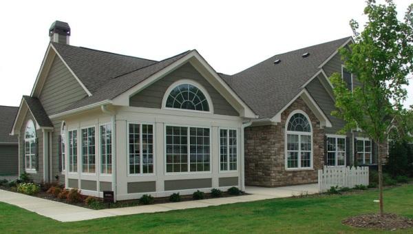 Конструкция дома с многощипцовой крышей
