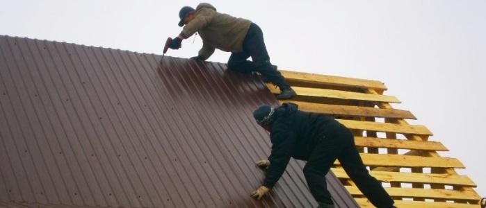Монтаж профлиста на крышу своими руками