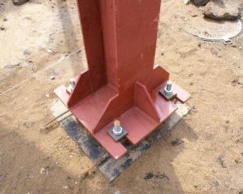 Установка и крепление колонн