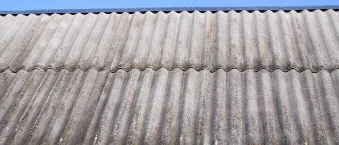 Виды и монтаж шифера на крышу дачного дома